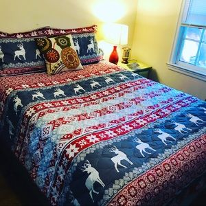 CHRISTMAS QUILT HOLIDAY WOODLAND BLANKET